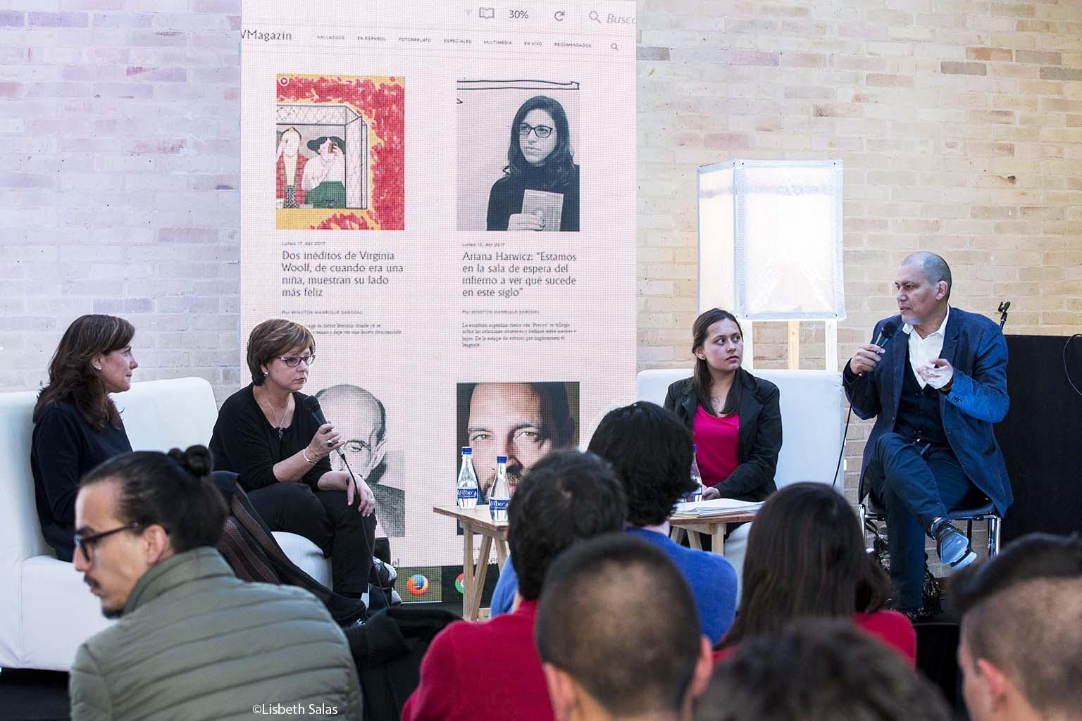 Desde la izquierda: Valerie Miles, Piedad Bonnett, Laura Bonilla y Winston Manrique en la presentación de WMagazín. / Vídeo de Luis Manrique Rivas