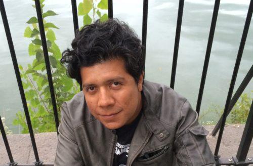 Alan Mills, escritor de Guatemala.