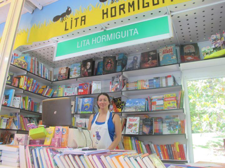 Caseta de Lita Hormiguita en la Feria del Libro de Madrid