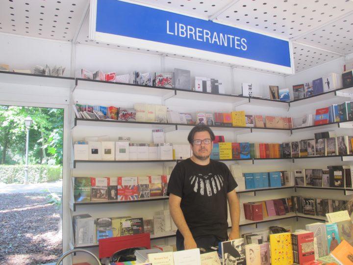 Caseta de LIbrerantes en la Feria del Libro de Madrid